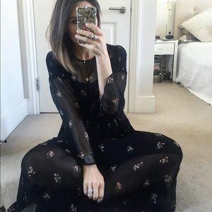 Dresses & Skirts - Floral peasant midi dress